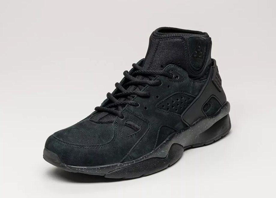 nike-air-mowabb-blackout-4