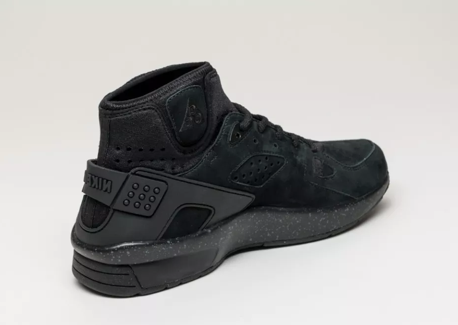 nike-air-mowabb-blackout-5