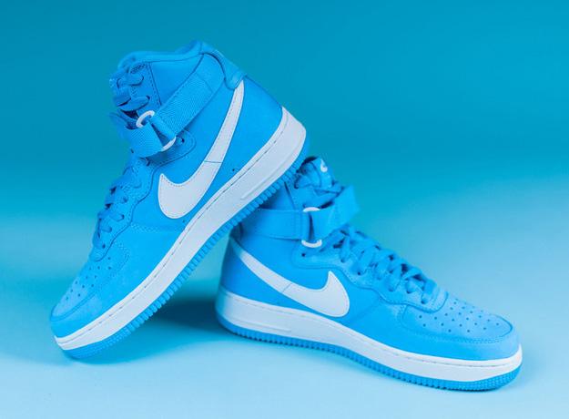 Nike-Air-Force-1-High-UNIVERSITY-BLUE-1