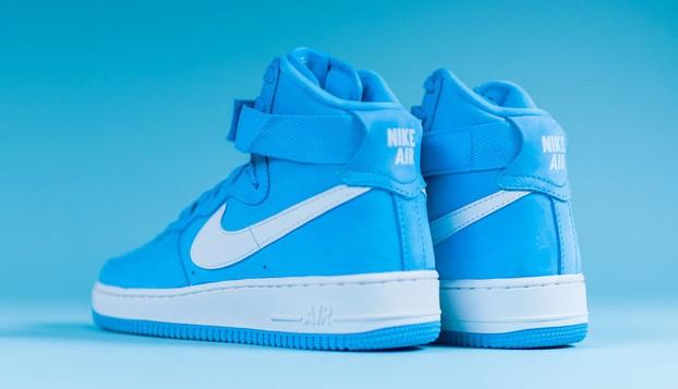 Nike-Air-Force-1-High-UNIVERSITY-BLUE-4-622x357