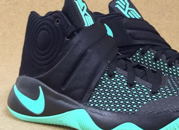 Nike-Kyrie-2-Green-Glow-1-622x451