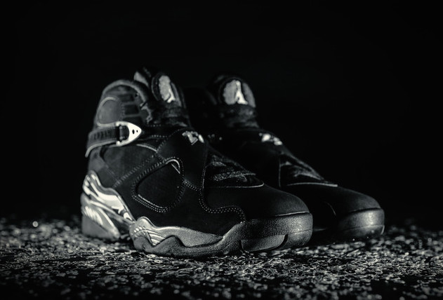 air-jordan-8-retro-chrome-black-white-light-graphite-2