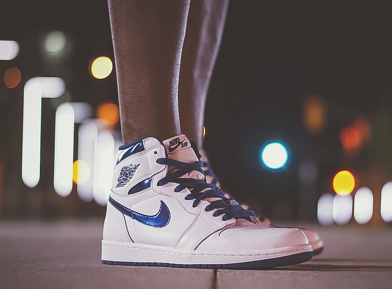 air-jordan-1-metallic-navy-on-foot