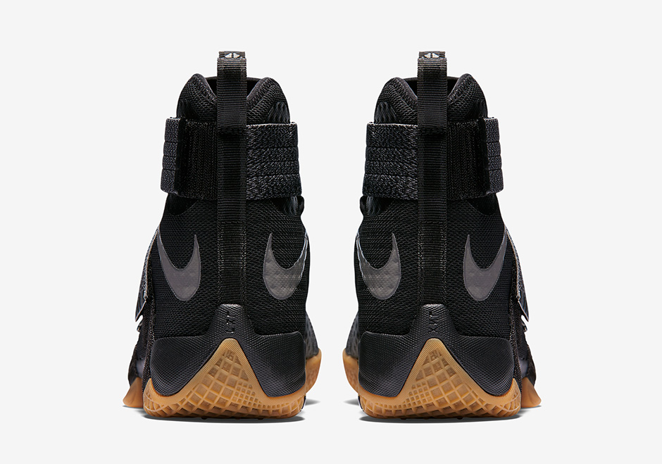 nike-zoom-lebron-soldier-10-black-gum-strive-for-greatness-4