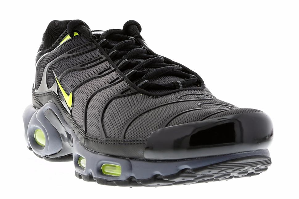 Nike-Air-Max-Plus-Dark-Grey-Volt-Black-2