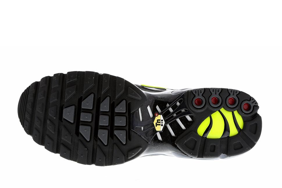 Nike-Air-Max-Plus-Dark-Grey-Volt-Black-4