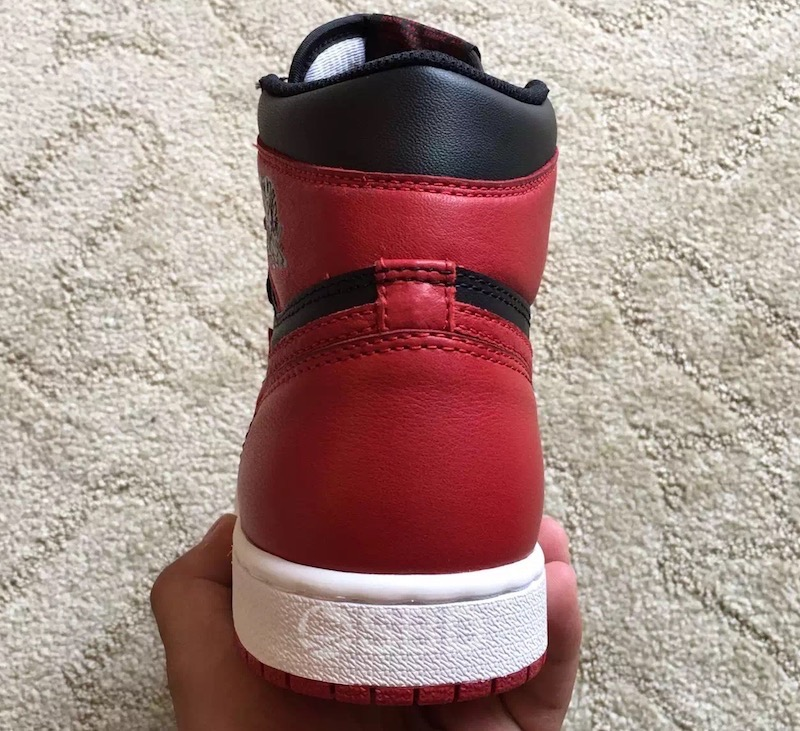air-jordan-1-og-banned-2016-retro-5