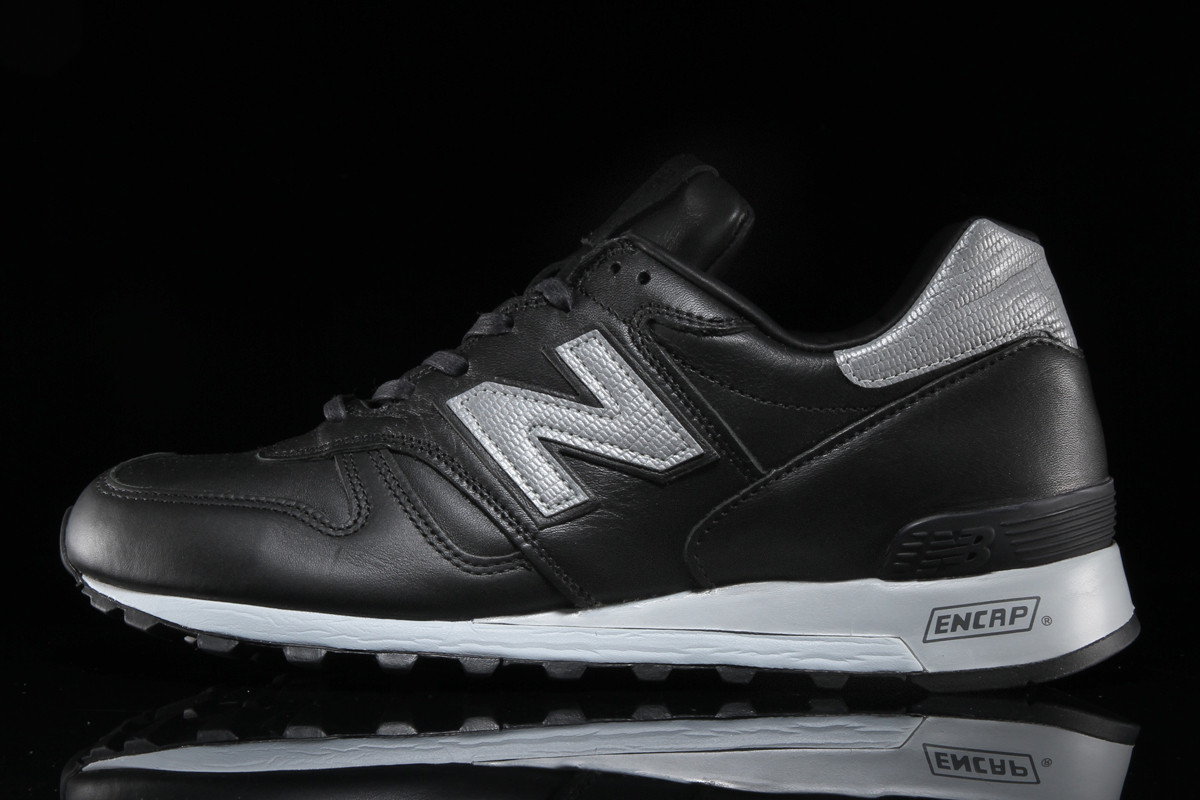 new-balance-1300-black-silver-age-of-exploration-2