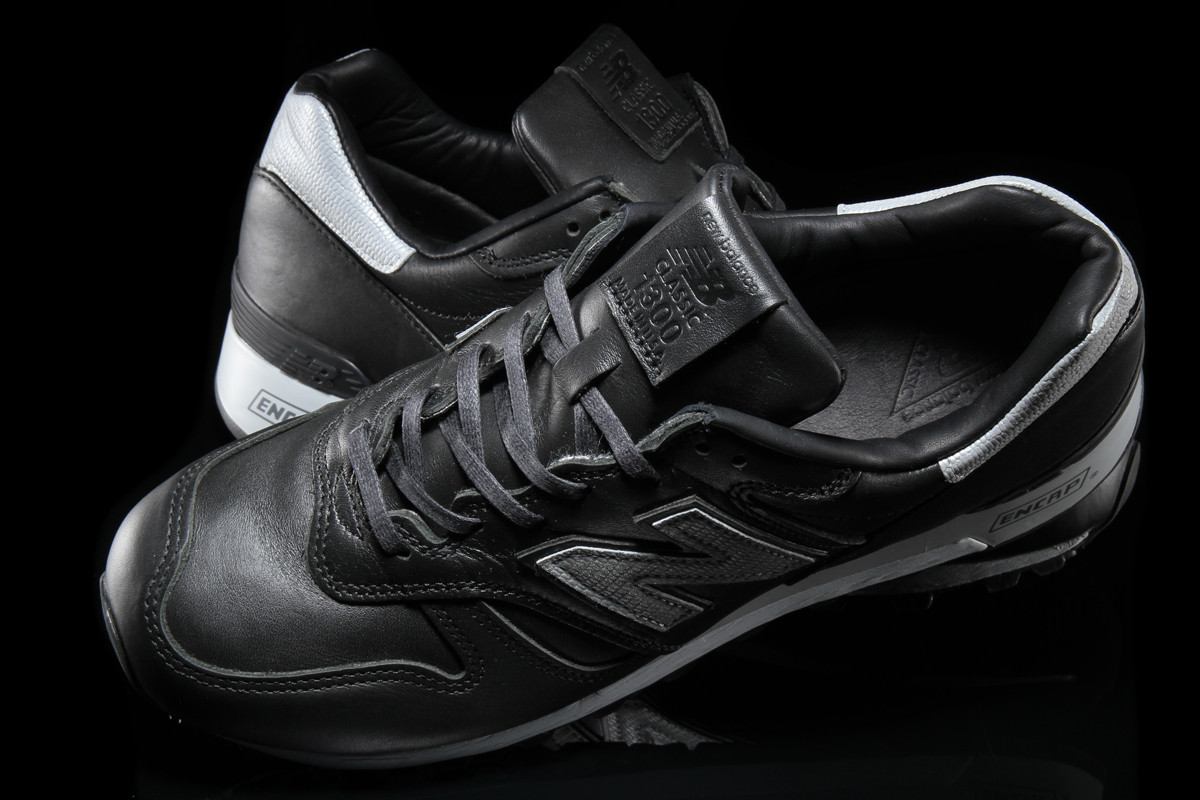 new-balance-1300-black-silver-age-of-exploration-3