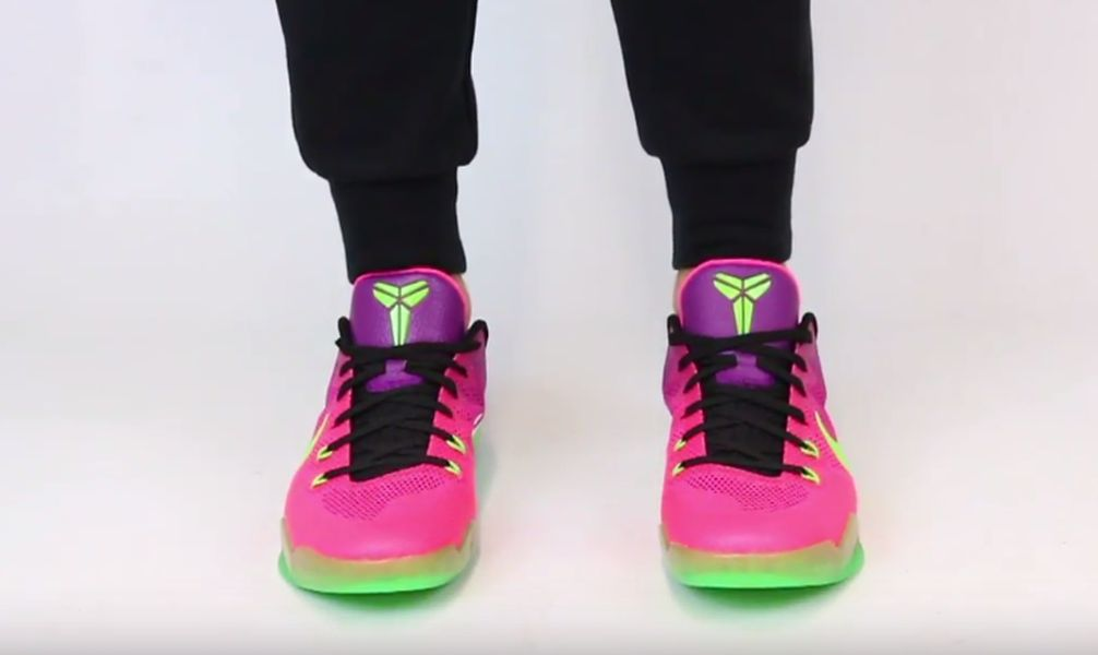 nike-kobe-11-mambacurial-pink-flash-action-green-red-plum-3