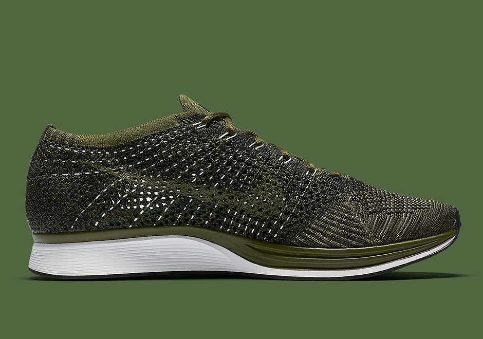 nike-flyknit-racer-rough-green-neutral-olive-sequoia-3