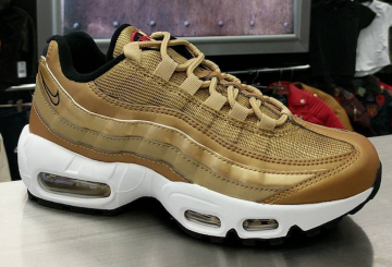 5月18日発売★Nike Air Max 95 Metallic Gold-University Red-White 918359 700 【ナイキ エアマックス 95】