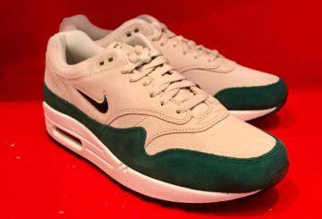 Nike Air Max 1 Jewel Green Suede   918354-003 (エアマックス 1 ジュエル )