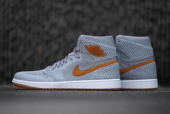 検索リンク追記★11月1日発売★NIKE AIR JORDAN 1 RETRO HI FLYKNIT WOLF GREY/GOLDEN HARVEST-GUM YELLOW 919704-025 (ナイキ エアジョーダン1)