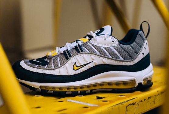 国内1月26日発売★ Nike Air Max 98  White/Tour Yellow-Midnight Navy-Cement Grey  640744-105 (ナイキ エアマックス 98)