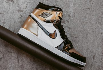 動画★3月10日発売★ NIKE AIR JORDAN 1 RETRO HIGH OG BLACK/BLACK/WHITE-METALLIC GOLD 861428-007  (ナイキ エアジョーダン 1)